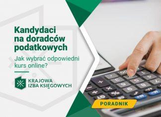 Kandydaci na doradców podatkowych dokonują obliczeń przy pomocy kalkulatora