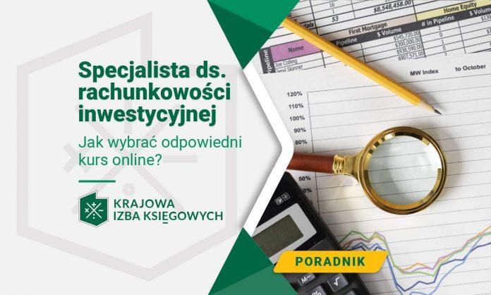 Specjalista ds. rachunkowości inwestycyjnej używa narzędzi do analizy potencjalnych inwestycji